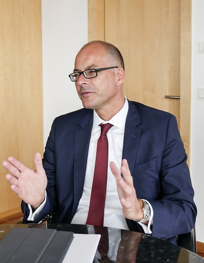 Dr. Alexander Schrader im Interview | dbb vorsorgewerk