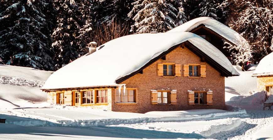 Gegen Lawinen und Schneemassen optimal versichert sein