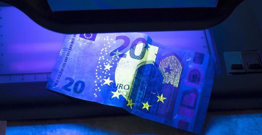 Falschgeld erkennen: Mehr unechte 10 Euro- und 20 Euro-Banknoten im Umlauf